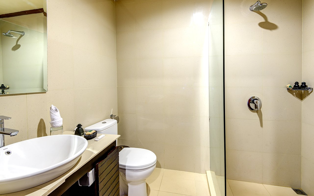 image-karma-royal-sanur-bathroom