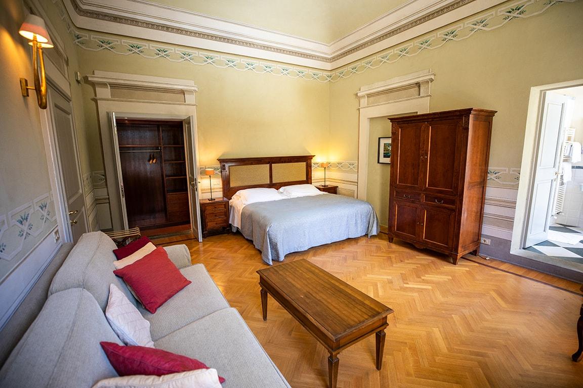 karma-tuscany-bedroom-4-min