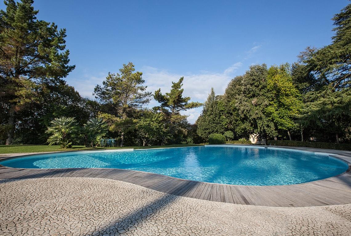 karma-tuscany-pool-2-min