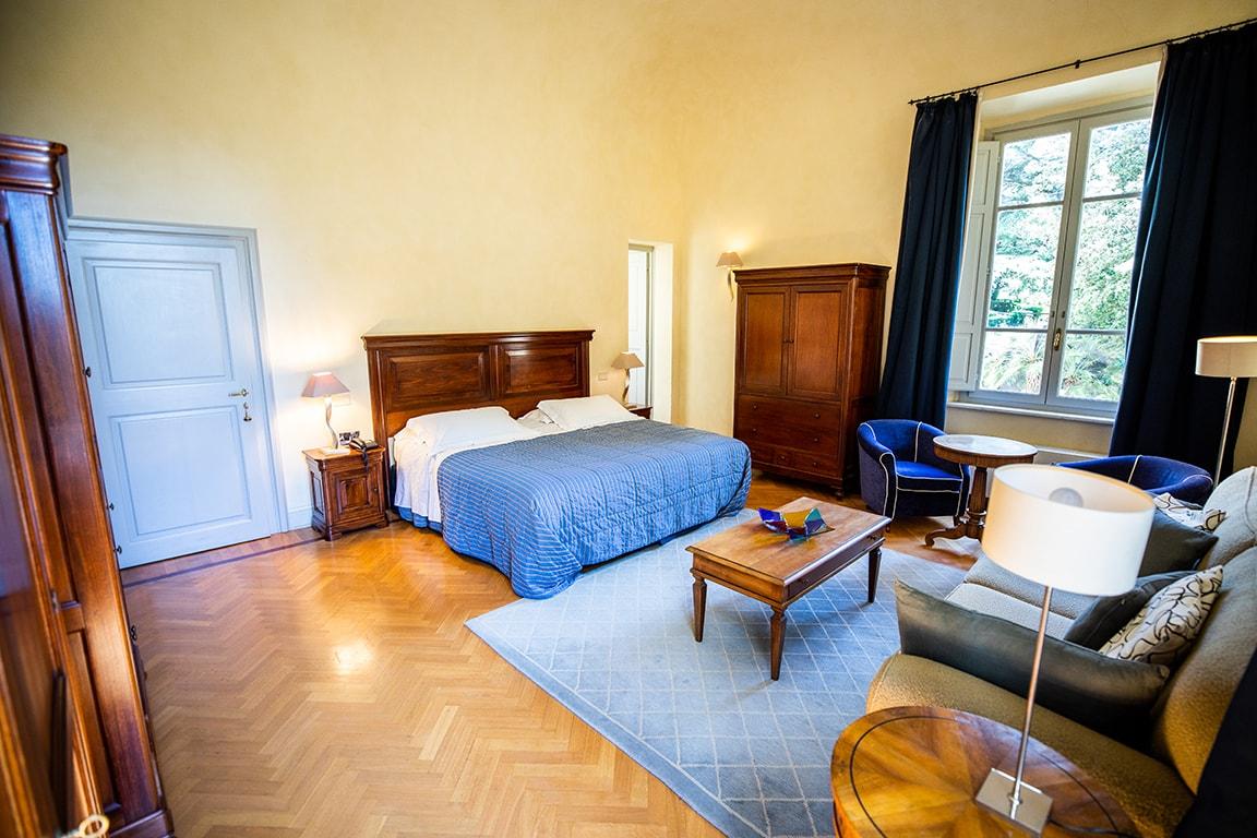 karma-tuscany-bedroom-2-min