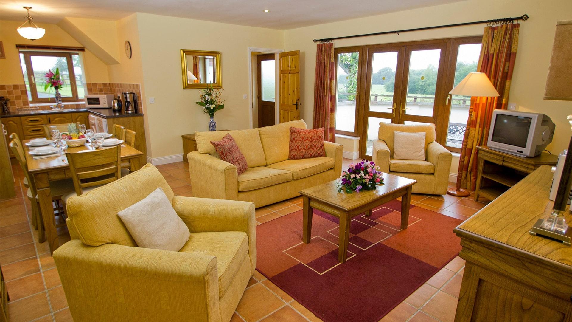 East_Clare_Golf_Village-living-room-min