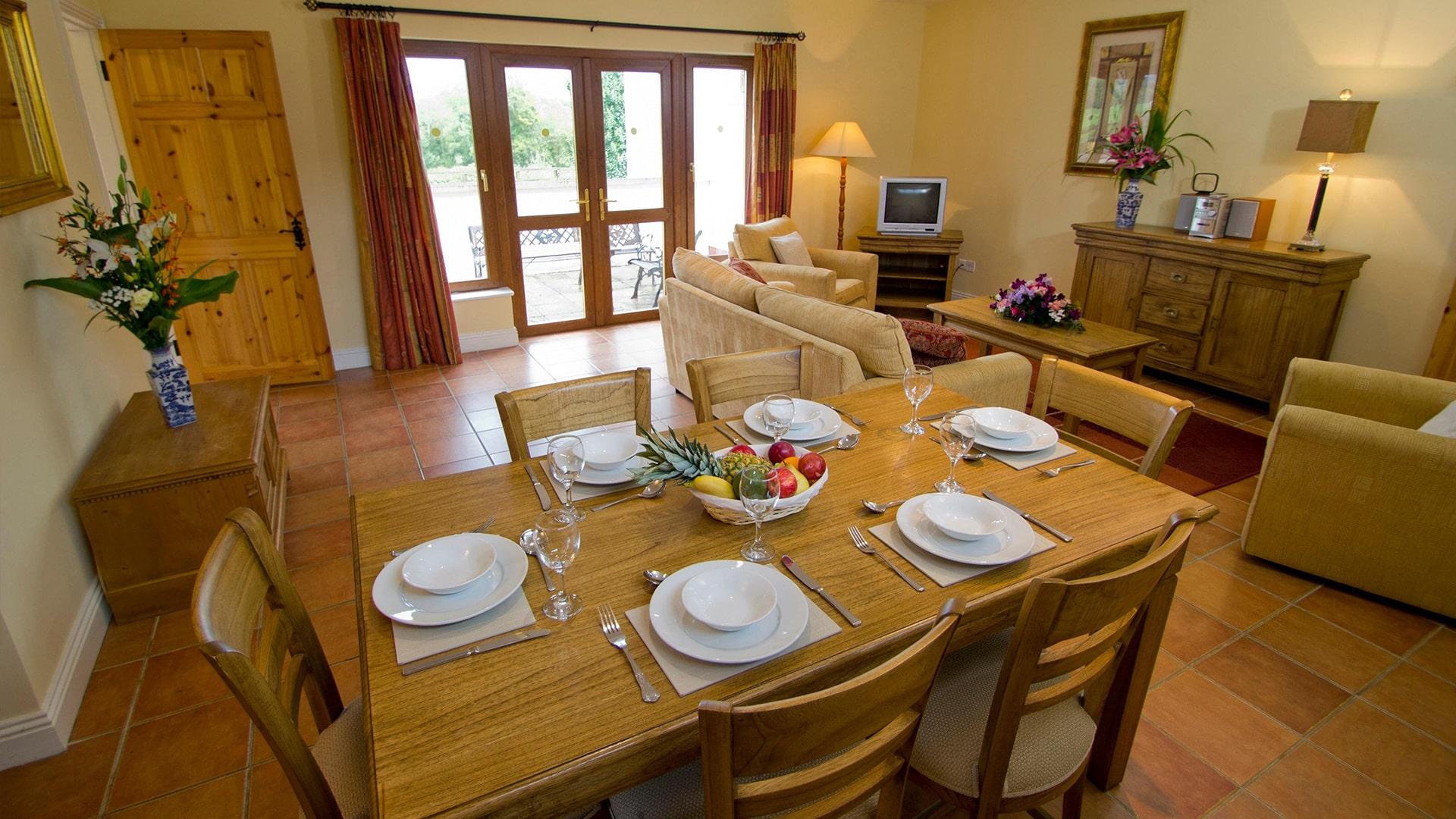 East_Clare_Golf_Village-dining-area-(1)-min