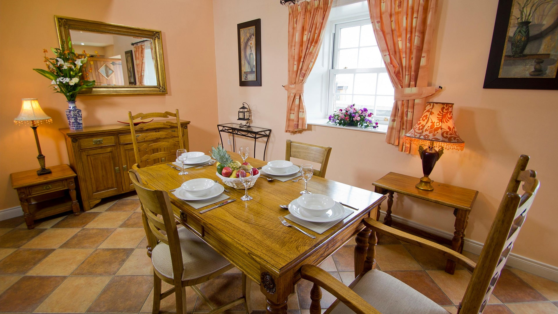 East_Clare_Golf_Village-dining-area-min