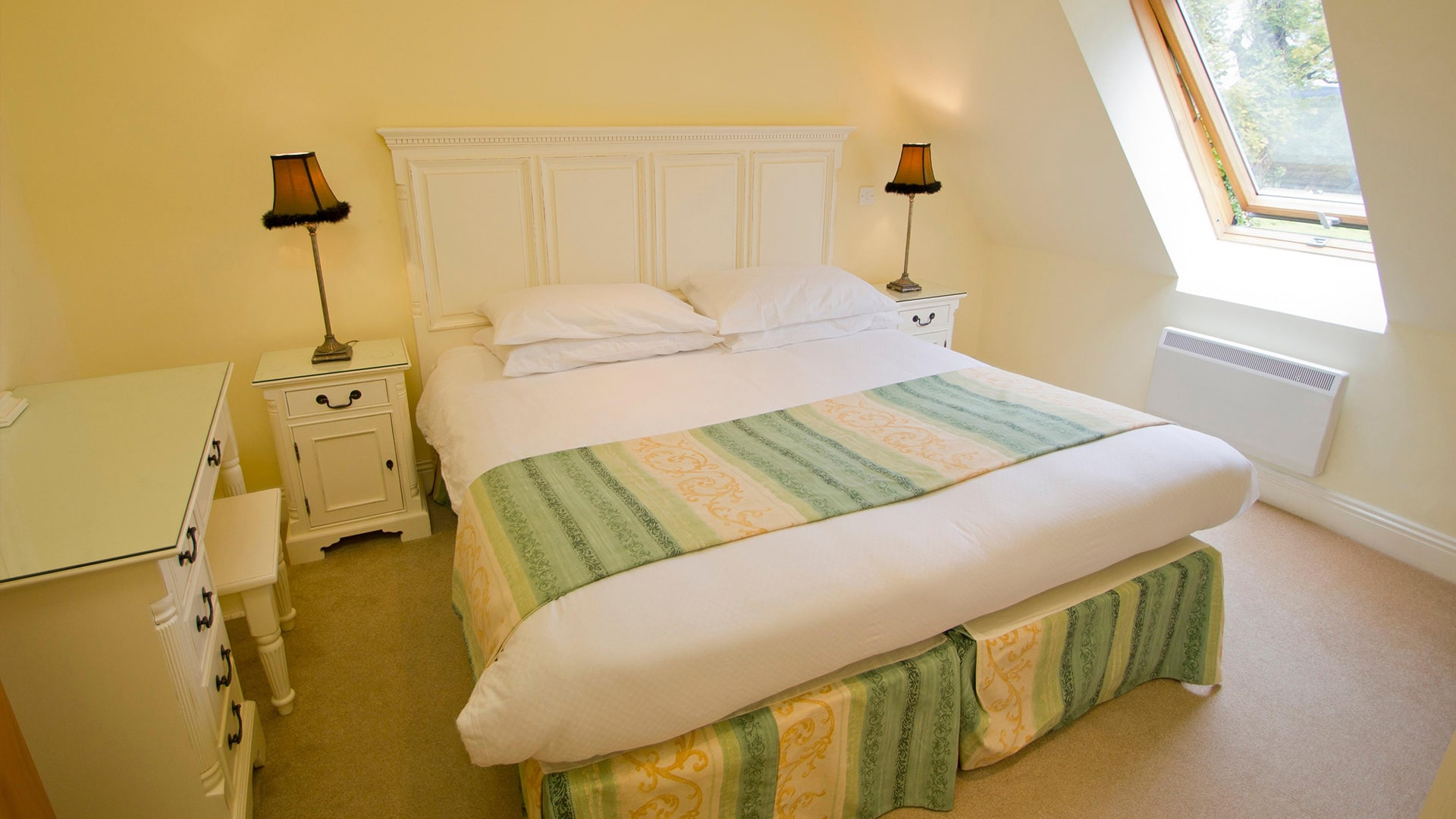 East_Clare_Golf_Village-bedroom-min