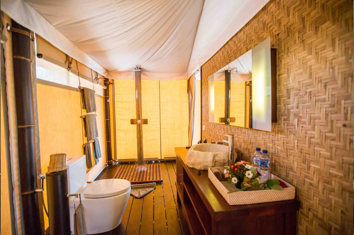 sea_tent_bathroom-min