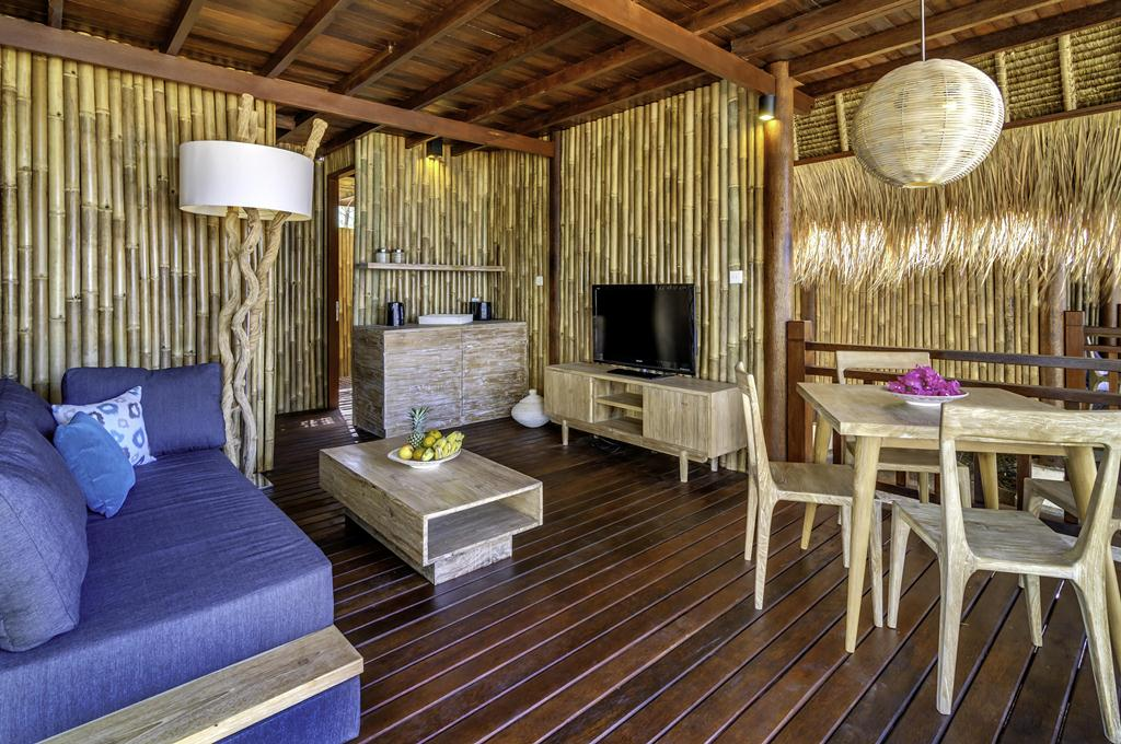 karma_reef_bungalow_living_room