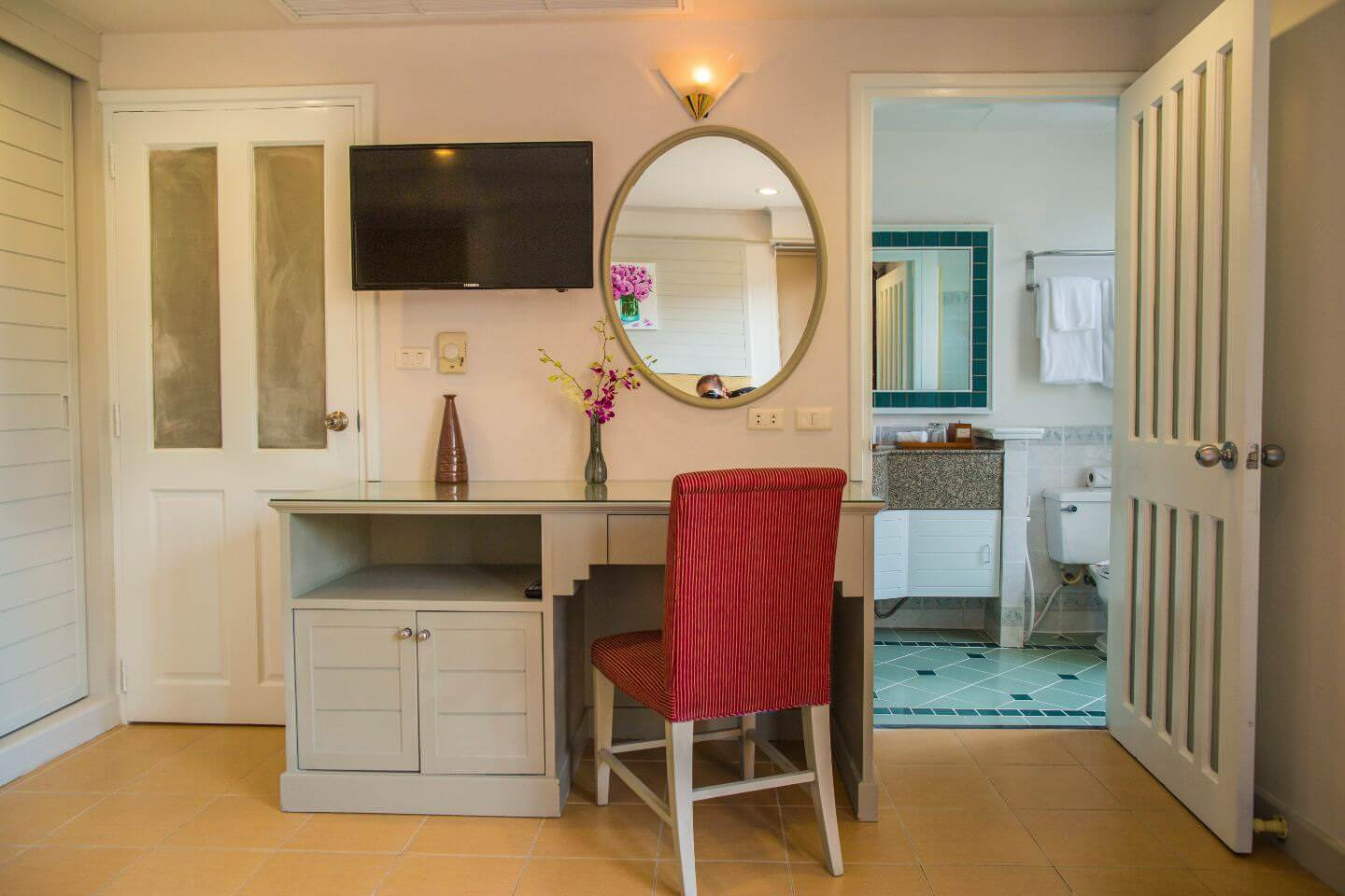 Karma Royal Phuket Accommodation Dressing Table Ensuite