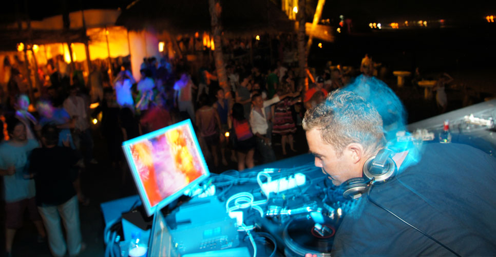 headline_c_karma_beach