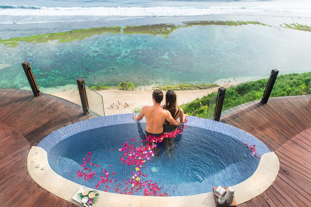 Karma Gili Meno Jacuzzi Honeymoon Escape