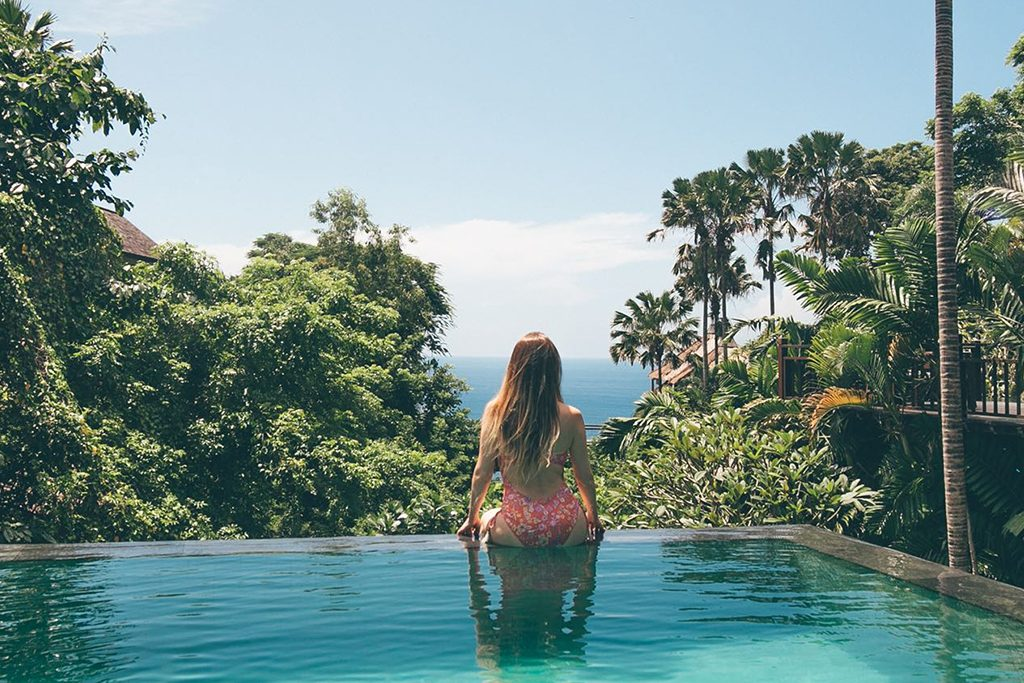 infinity pool with ocean view, Karma Kandara fantastic offer